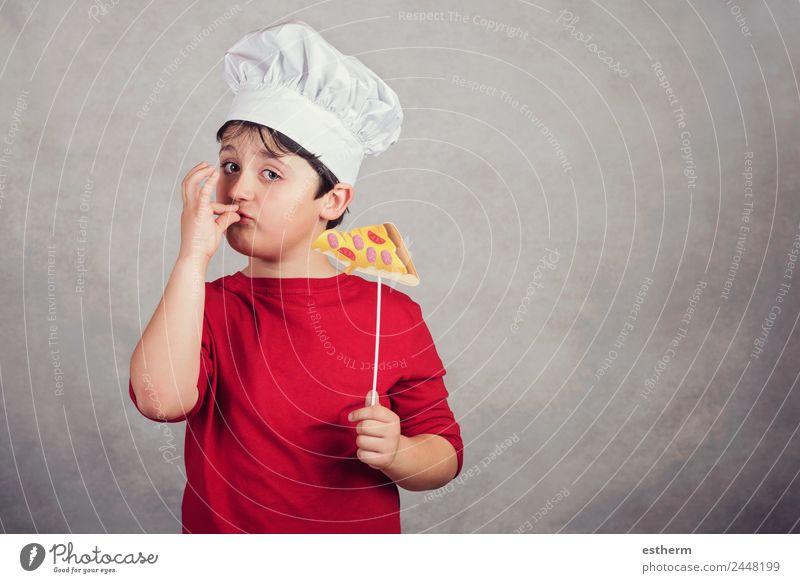 Kind lustiger Koch mit Scheibenpizza Lebensmittel Ernährung Essen Fastfood Italienische Küche Lifestyle Freude Mensch maskulin Kleinkind Junge Kindheit 1