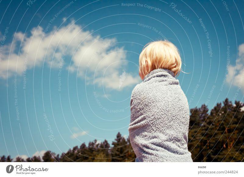 Frottee-Wurst Mensch Kind Himmel Natur blau Baum Ferien & Urlaub & Reisen Mädchen Sommer Wolken Wald Umwelt Kopf Haare & Frisuren Kindheit blond