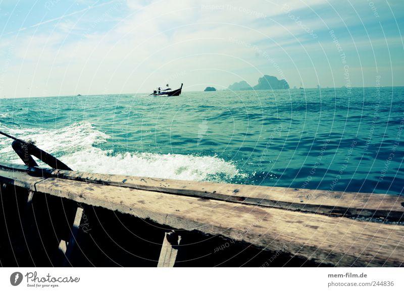 im longtailboat Thailand Langboot Longtail Krabi Wasser Meer blau Bootsfahrt Asien türkis Holz