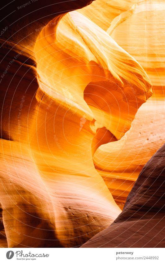 Glowing passage in Canyon X slot canyon, USA Natur Farbe gelb Wand Mauer orange braun Sand Ausflug Abenteuer Sehenswürdigkeit Schlucht Page Arizona Erosion