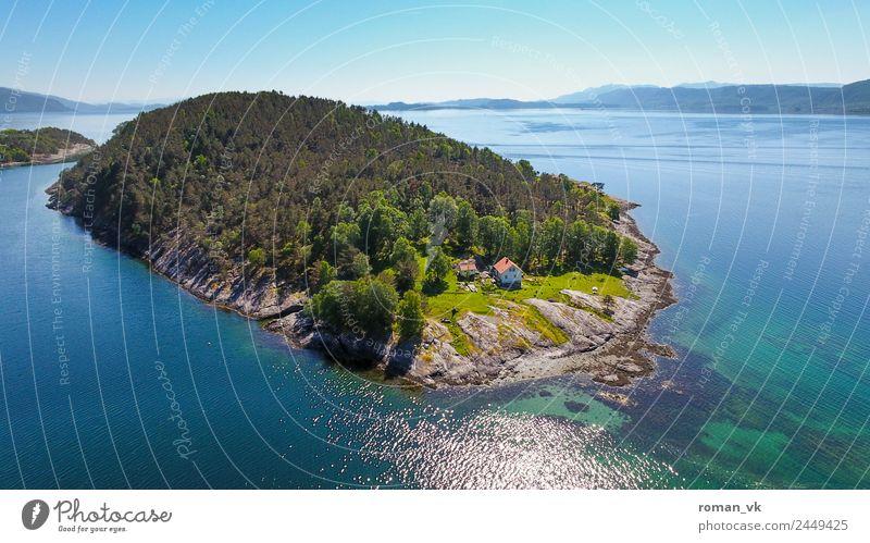 Norwegische Insel (Südwesten) Umwelt Natur Landschaft Pflanze Erde Wolkenloser Himmel Schönes Wetter Baum Hügel Felsen Küste Fjord Meer Frühlingsgefühle Leben