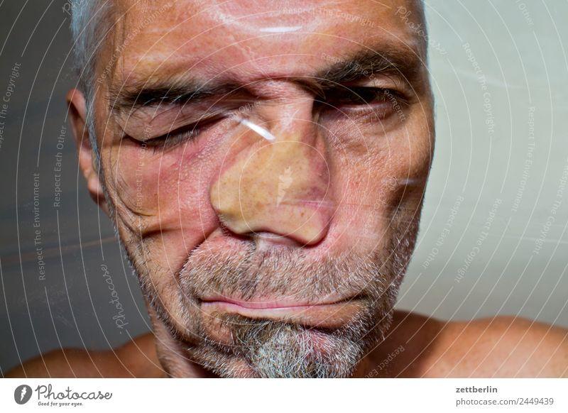 Portrait Auge Bart Deformation Folie frisch Strukturen & Formen Gesicht Mann Hackfleisch Mund Nase Kunststoff Skulptur Porträt Fensterscheibe verschoben