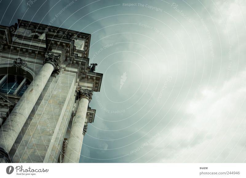 Bundestag Himmel blau Wolken dunkel Umwelt Architektur Berlin Stein Deutschland Wetter Tourismus Europa Kultur Symbole & Metaphern Neigung Wahrzeichen