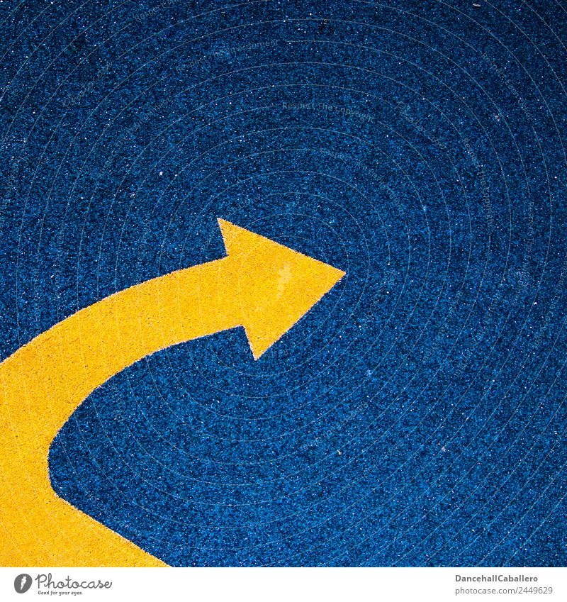 richtungweisend... Linie Pfeil blau gelb Bewegung Perspektive Politik & Staat Wege & Pfade Richtung Richtungswechsel Geometrie abbiegen Zukunft wegweisend