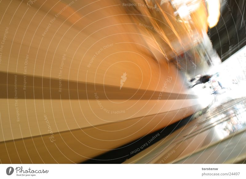 train in motion Wand Bewegung Mauer Abteilfenster Verkehr frei Geschwindigkeit Eisenbahn Bodenbelag Mobilität Station Bahnhof Fernweh Personenverkehr