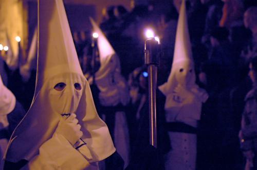 Semana Santa II Spanien Mallorca Sevilla Kapuze Mütze weiß Katholizismus Christentum Prozession Tradition Geister u. Gespenster unheimlich mystisch