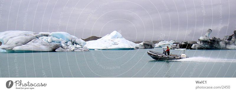 Gletschersee 01 Natur Wasser Eis Wasserfahrzeug Kraft Europa Energiewirtschaft Island Umweltschutz Eisberg Nationalpark unberührt Gebirgssee