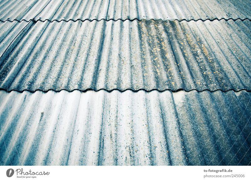 Waves Haus Mauer Wand Fassade Dach Beton Linie Streifen dreckig blau grau Symmetrie Eternit Faserbeton Silikat-Mineral Wellblech Wellblechwand Flechten