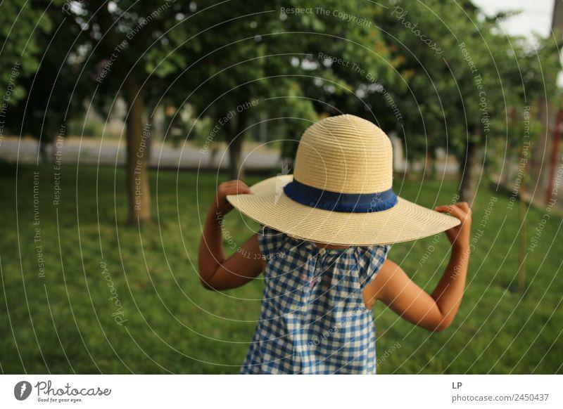 Ich trage einen Hut. Lifestyle elegant Stil Design Freude Wellness Leben harmonisch Wohlgefühl Zufriedenheit Sinnesorgane Erholung ruhig Meditation