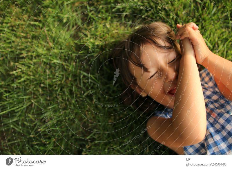 Mensch schön Erholung ruhig Freude Mädchen Erwachsene Lifestyle Leben sprechen Gefühle Familie & Verwandtschaft Stimmung Zufriedenheit Freizeit & Hobby Kindheit