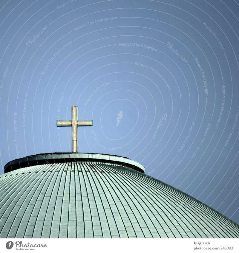 St Hedwig II Deutschland Europa Kirche Dach Kreuz blau grün Religion & Glaube Christentum Christliches Kreuz Farbfoto Gedeckte Farben Außenaufnahme Menschenleer