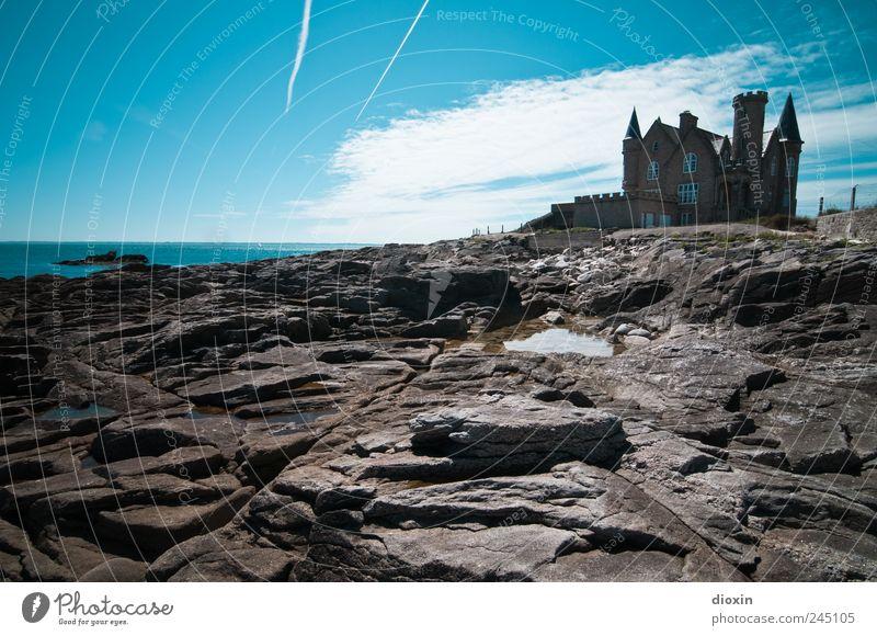 Château Turpault alt Sommer Ferien & Urlaub & Reisen Meer Haus Architektur Küste Gebäude Ausflug Felsen Tourismus Europa authentisch Turm Dach außergewöhnlich
