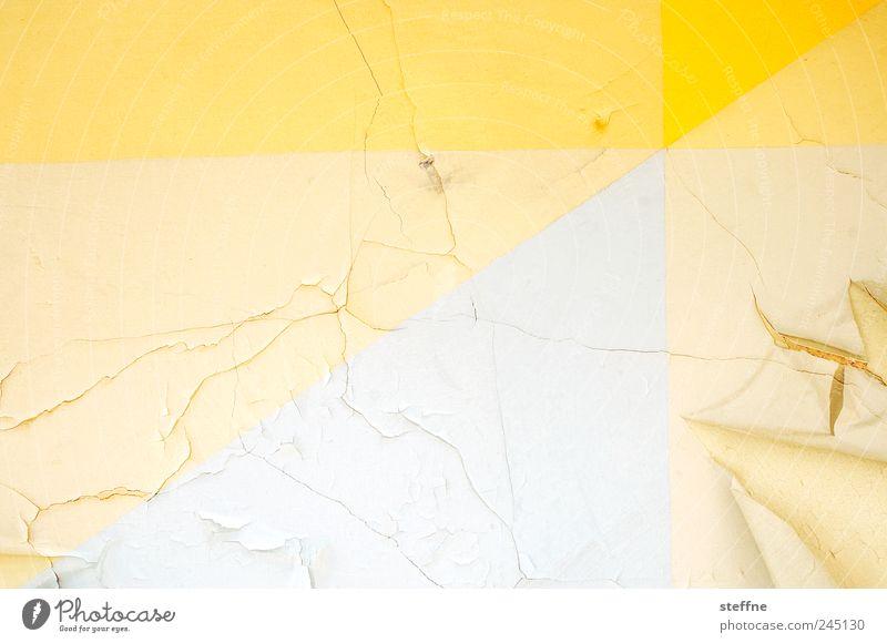 Triple Trouble Haus Ruine Mauer Wand alt kaputt Unbewohnt Riss abblättern gelb Farbfoto Experiment abstrakt Muster Strukturen & Formen Menschenleer