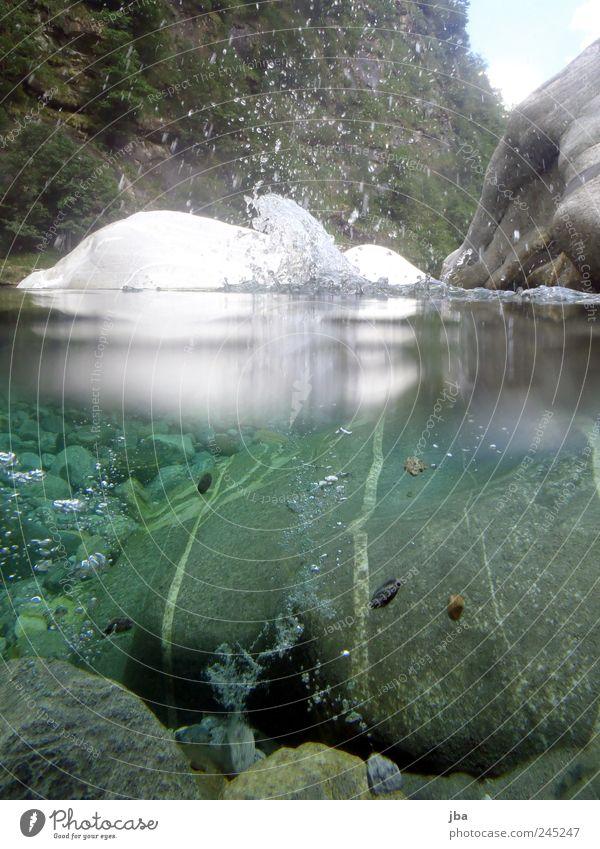 splash Natur Ferien & Urlaub & Reisen Wasser Sommer Berge u. Gebirge Leben Schwimmen & Baden Stein Felsen Luft Wassertropfen Ausflug nass Urelemente Flüssigkeit
