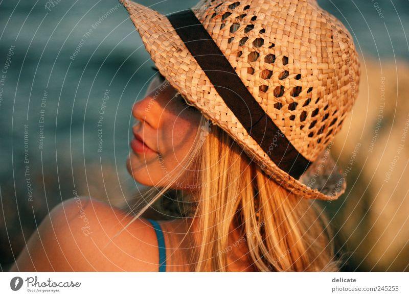 Summer Girl Mensch Jugendliche blau Sommer Strand Meer feminin Kopf Haare & Frisuren träumen blond Haut gold natürlich Kleid Hut