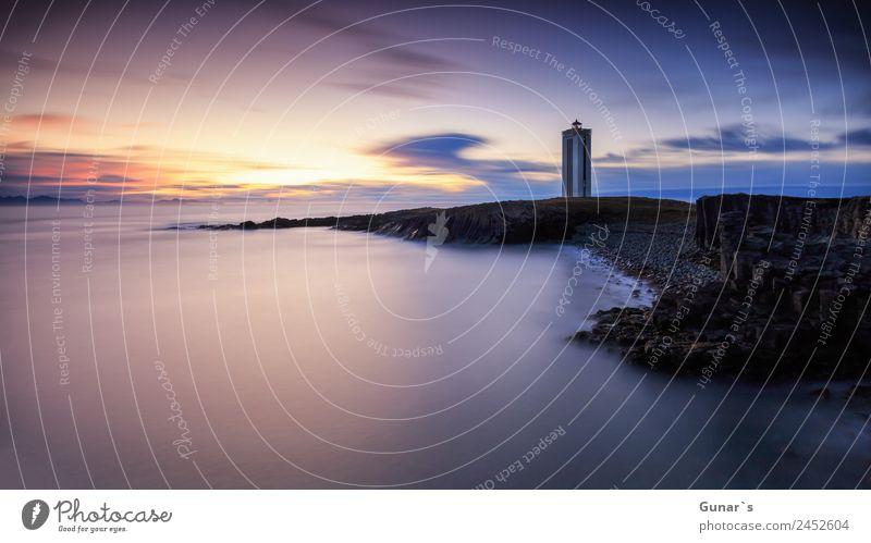Leuchtturm in Island. Panoramablick über den Nordatlantik. Erholung ruhig Ferien & Urlaub & Reisen Tourismus Abenteuer Ferne Freiheit Camping Strand Meer