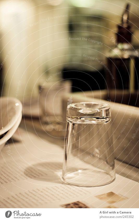 upside down Geschirr Teller Schalen & Schüsseln Glas Stil Design Tisch stehen authentisch einfach trendy schön einzigartig Kitsch Originalität Sauberkeit