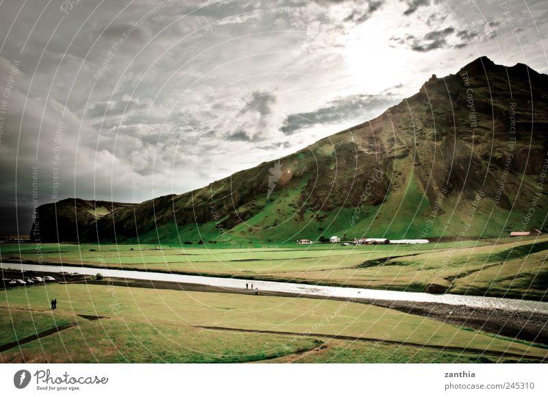Iceland Natur Landschaft Wolken Sommer Wetter Wiese Felsen Berge u. Gebirge Gipfel Flussufer Idylle Klima Umwelt Ferien & Urlaub & Reisen Island Weide Farbfoto
