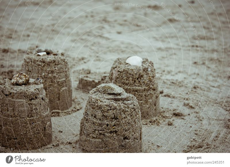 besser als traumschlösser Sommer Ferien & Urlaub & Reisen Strand Spielen Glück Sand Traurigkeit Kindheit Freizeit & Hobby Tourismus authentisch retro Baustelle