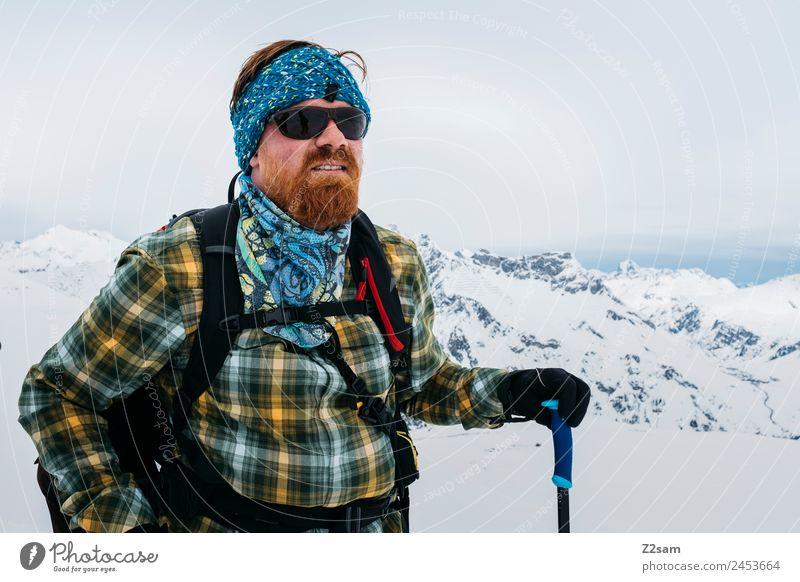 Freeskier Ferien & Urlaub & Reisen Abenteuer Winter Berge u. Gebirge Skier Junger Mann Jugendliche 18-30 Jahre Erwachsene Natur Landschaft Schnee Alpen