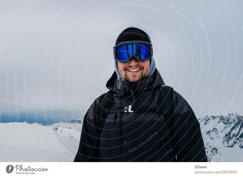 Snowboarder Lifestyle Freizeit & Hobby Ferien & Urlaub & Reisen Abenteuer Winter Berge u. Gebirge Skier Junger Mann Jugendliche 18-30 Jahre Erwachsene Natur