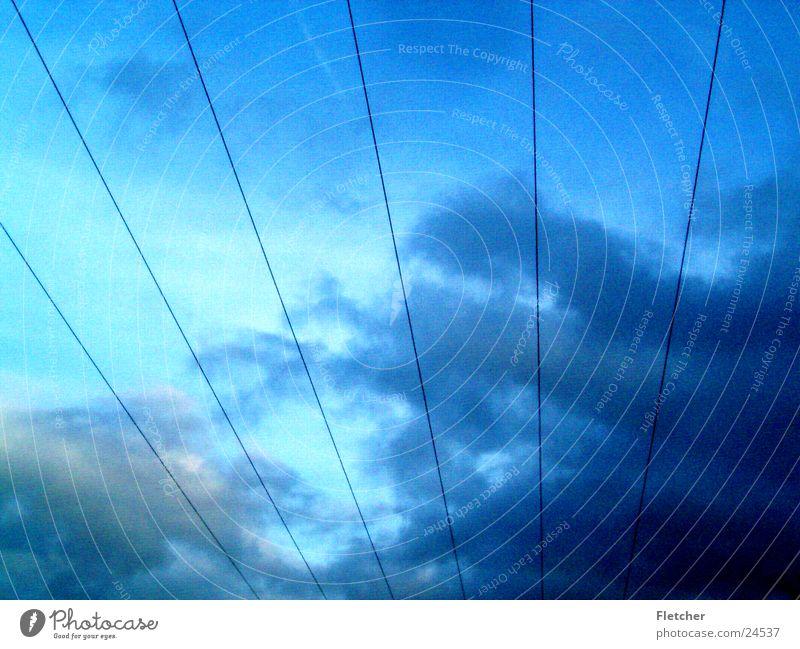 Strom3 Elektrizität Wolken Draht Leitung Plus Elektrisches Gerät Technik & Technologie Energiewirtschaft Himmel Minus Kabel