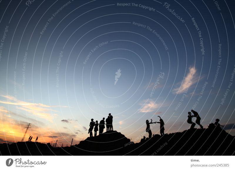 Soul Healing Berge u. Gebirge Tanzen Feste & Feiern Mensch Freundschaft Paar Jugendliche Menschengruppe Open Air Landschaft Himmel Wolken stehen viele Stimmung