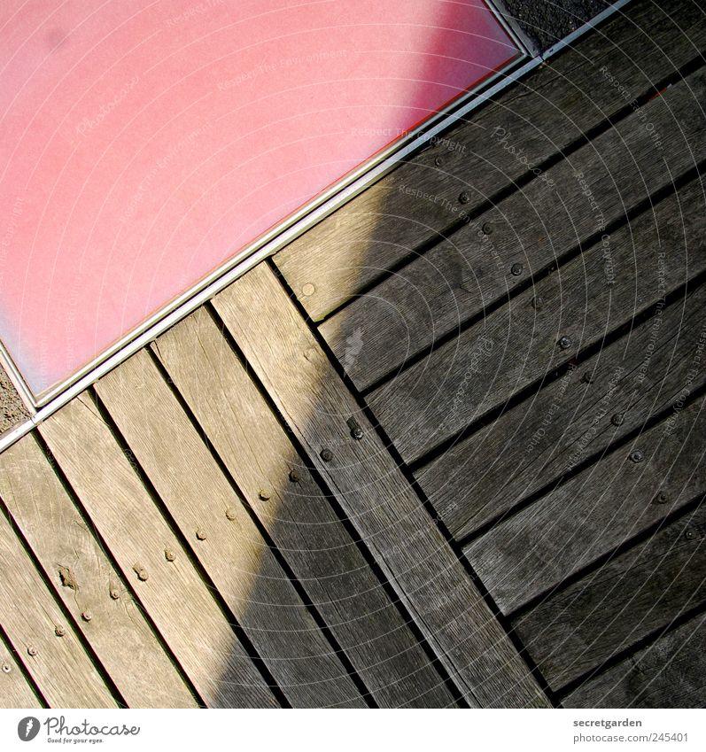 the dark side of the sun. rot Sommer Holz braun Ordnung Boden Häusliches Leben Balkon Terrasse Genauigkeit Bodenplatten Ordnungsliebe bodenständig