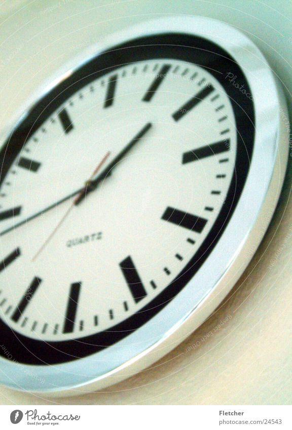 Uhr Zeit Technik & Technologie rund Uhr Vergänglichkeit analog Feierabend Uhrenzeiger Elektrisches Gerät