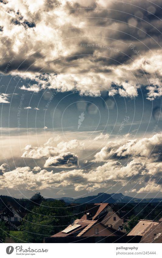 Über den Dächern... Sommer Umwelt Natur Luft Wassertropfen Himmel Wolken Horizont Wetter Schönes Wetter Wind Gewitter Hügel Vulkan Dorf Menschenleer Haus