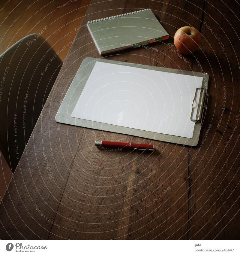 wortlos Arbeit & Erwerbstätigkeit Lebensmittel Glas Wohnung lernen Tisch Studium Papier ästhetisch Stuhl Apfel schreiben Häusliches Leben Schreibstift Notizbuch Holztisch