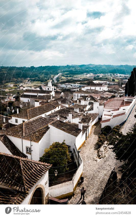 Über dem historischen Obidos Freizeit & Hobby Ferien & Urlaub & Reisen Tourismus Ausflug Sightseeing Städtereise 1 Mensch Wolken Sonne Portugal Europa Dorf