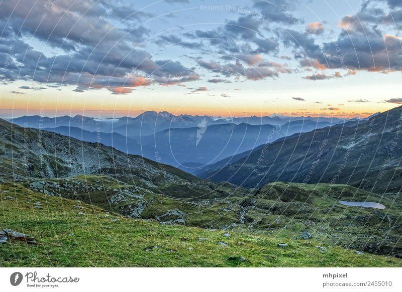 Alpenblick Himmel Natur Ferien & Urlaub & Reisen Sommer Landschaft Sonne Erholung Wolken Ferne Berge u. Gebirge Umwelt Tourismus Freiheit orange Felsen Ausflug