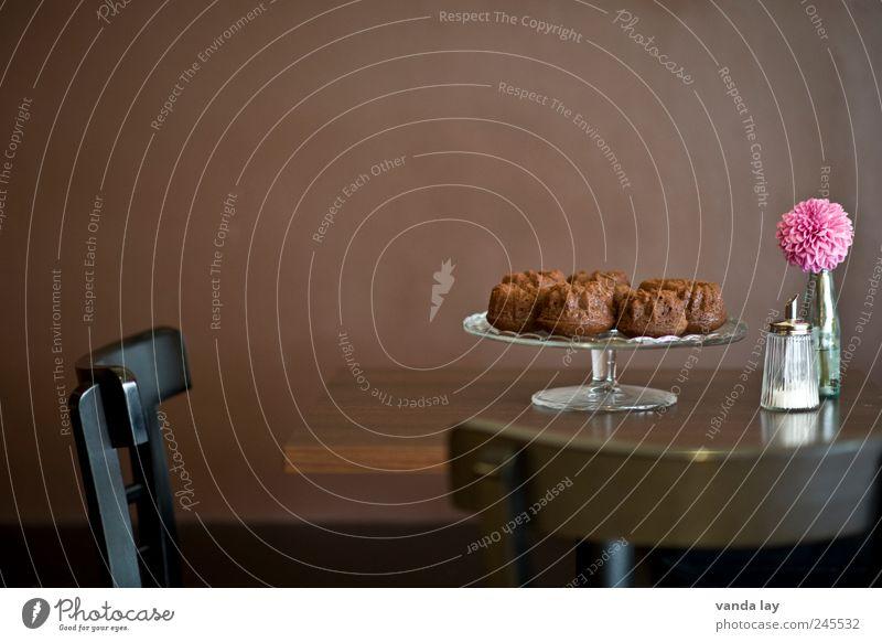 Zu Tisch! schön Stil Lebensmittel braun rosa Design Raum Ernährung Tisch Stuhl Gastronomie Restaurant Café Bar Kuchen Dessert