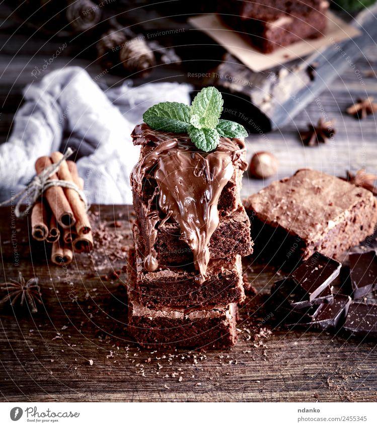 dunkel schwarz braun Ernährung frisch weich lecker Süßwaren Kuchen Dessert Stapel Snack Bäckerei backen geschmackvoll gebastelt