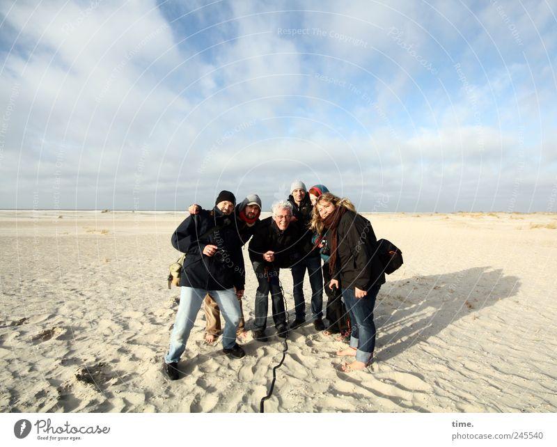 Spiekeroog | Alternativer Betriebsausflug Mensch Frau Himmel Mann Freude Strand Wolken Erwachsene kalt Sand lachen Küste Menschengruppe Freizeit & Hobby mehrere