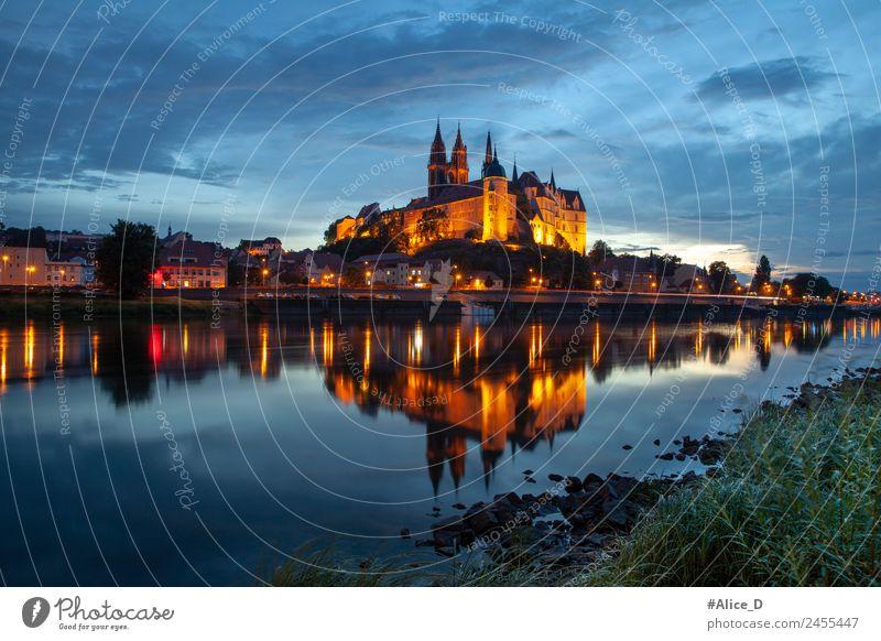 Albrechtsburg und Stadt Meißen mit abendbeleuchtung Ferien & Urlaub & Reisen Sightseeing Städtereise Architektur Urelemente Wasser Nachthimmel Fluss Elbe