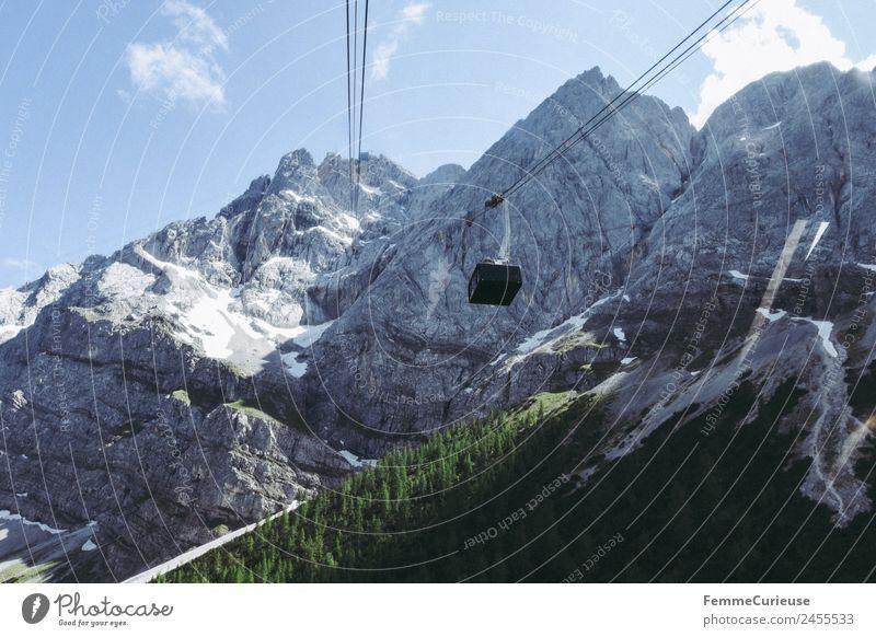 Gondola in the alps Natur Abenteuer Seilbahn Gondellift Riesenrad Alpen Berge u. Gebirge Reisefotografie Nadelwald Nadelbaum Farbfoto Tag Zentralperspektive