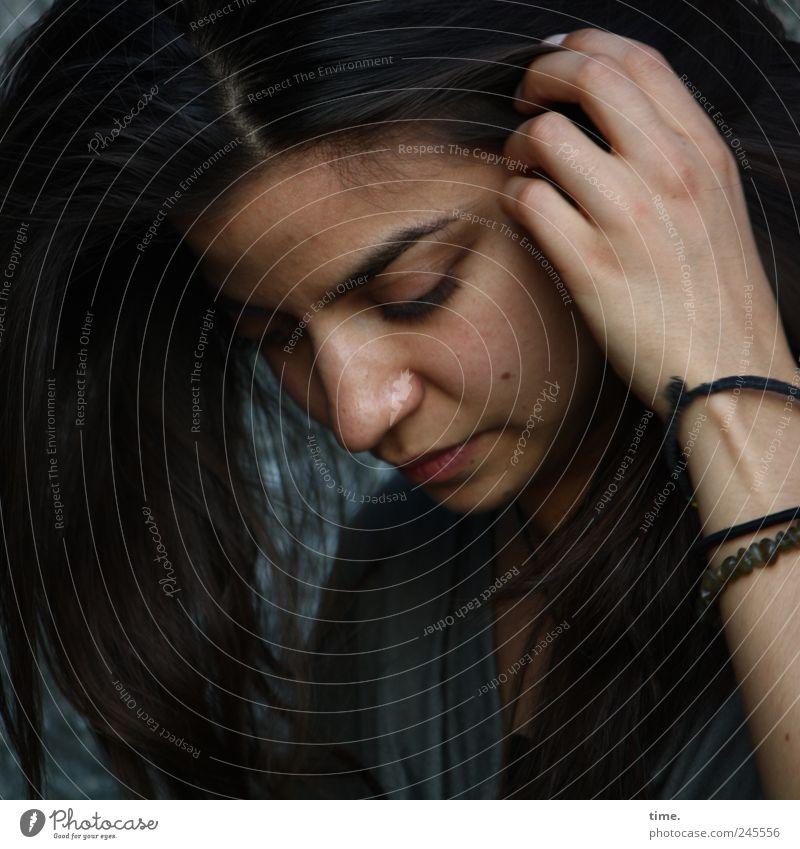 Stella Cruz | Kalinga Frau Mensch Hand Jugendliche schön Gesicht Auge feminin Kopf Haare & Frisuren träumen Stimmung Denken Erwachsene Zufriedenheit