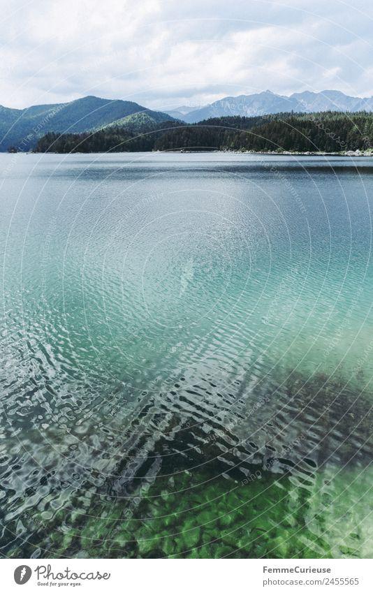 Mountain lake with cristal clear water in the alps Natur Gebirgssee See Alpen Berge u. Gebirge Klarheit türkis Wasser Farbfoto Außenaufnahme Menschenleer