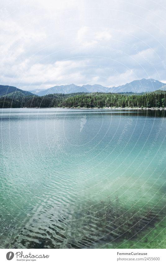 Clear and turquoise water of a mountain lake Natur Landschaft Ferien & Urlaub & Reisen Gebirgssee See türkis Klarheit Sommer Sonnenstrahlen Reisefotografie