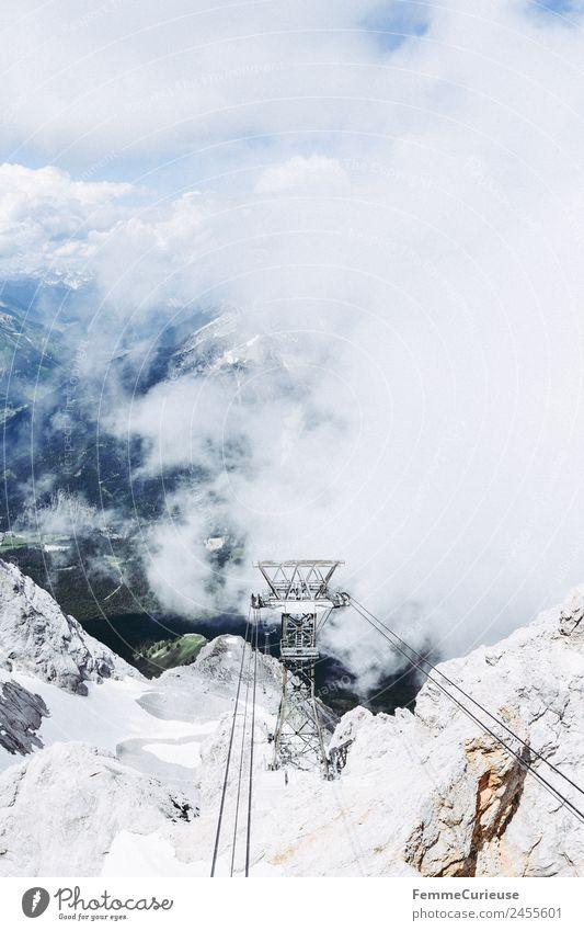 Ropes of a cable car in the alps Natur Wolken Nebel trüb Gondellift Riesenrad Seilbahn Alpen Berge u. Gebirge Sonnenstrahlen Mast Farbfoto Außenaufnahme