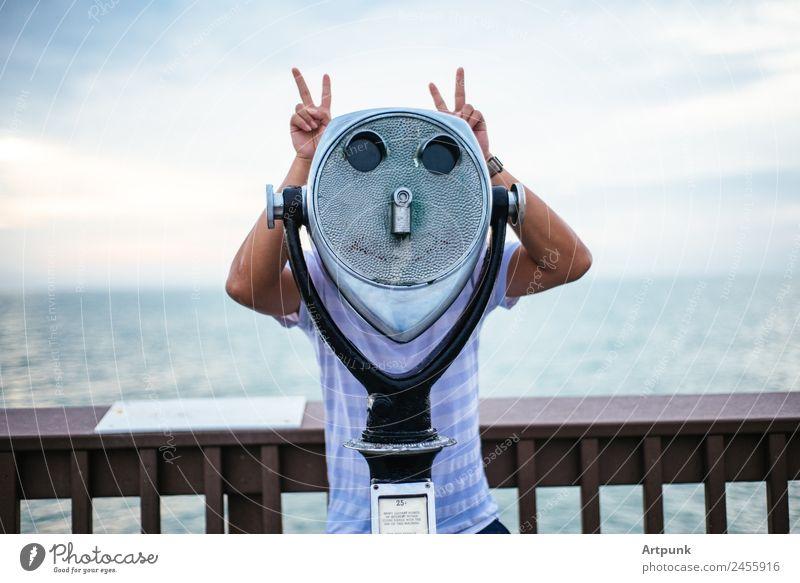 Aussichtsplattform Schiffsdeck MEER Wasser Docks Frieden Fotokamera Betrachter Wolken Himmel Hafen Sommer Meer Holz Tourismus Ferien & Urlaub & Reisen blau