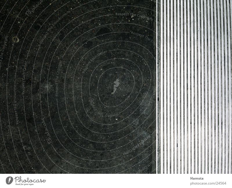 übergang Bürgersteig Untergrund Rolltreppe dunkel Vogelperspektive Fototechnik Bodenbelag Strukturen & Formen Kontrast