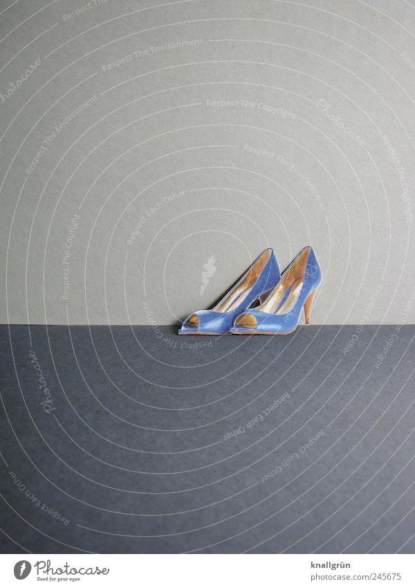 Peeptoes blau schön Freude Gefühle grau Glück Stil Mode Schuhe elegant glänzend Design modern stehen Coolness Wunsch