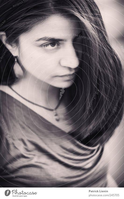 Stella Cruz | One Frau Mensch Jugendliche blau Erwachsene feminin Gefühle Haare & Frisuren Stil träumen Stimmung Kunst elegant Design ästhetisch außergewöhnlich