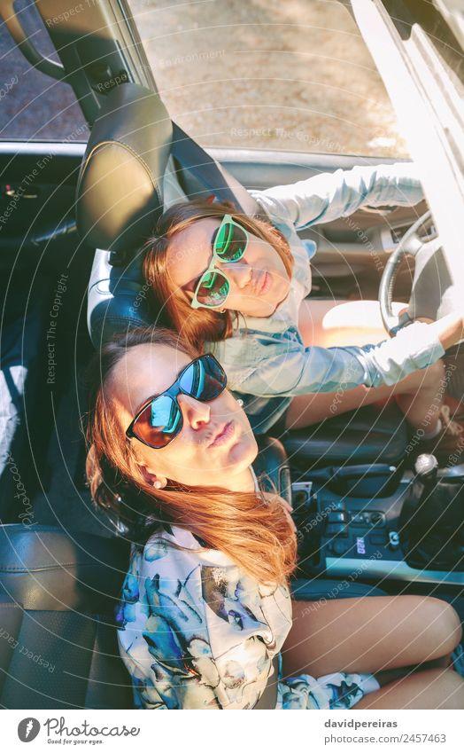 Frau Mensch Ferien & Urlaub & Reisen Jugendliche schön Freude Gesicht Straße Erwachsene Lifestyle Liebe Glück Paar Zusammensein Freundschaft Ausflug