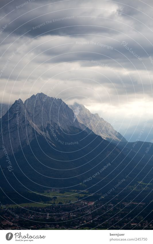 Olympia Natur Sommer Wolken Berge u. Gebirge Landschaft Umwelt Luft Felsen Kirche einzigartig Alpen Gipfel Gewitter Unwetter Bayern schlechtes Wetter