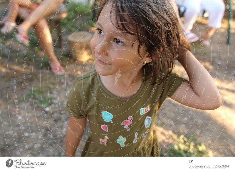 Kind Mensch schön ruhig Freude Erwachsene Lifestyle Leben Gefühle Familie & Verwandtschaft Stil Freiheit Stimmung Zufriedenheit elegant Kindheit