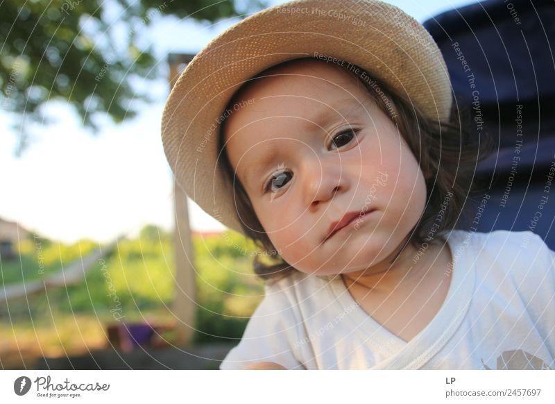 Kind Mensch Lifestyle Leben Traurigkeit Gefühle Familie & Verwandtschaft Stil Stimmung Design träumen elegant Kindheit Baby Bildung Sehnsucht